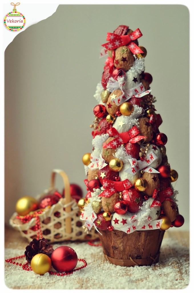 елка из орехов