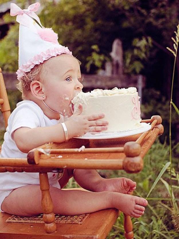 И куда же без первого именинного торта