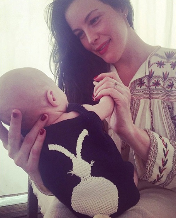 В феврале у Лив Тайлер родился малыш Сейлор, крестным отцом которого стал Дэвид Бекхэм