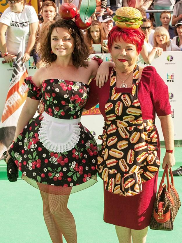 Голосистая Наташа Королева и мама Людмила