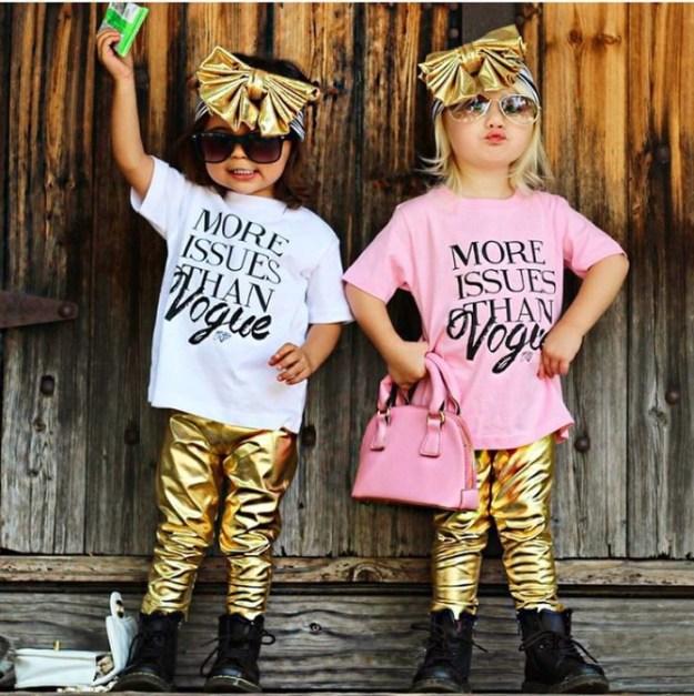 ...одевает ребенка по последним тенденциям моды