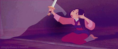 Кинджал или меч помогут изменить стрижку в домашних условиях