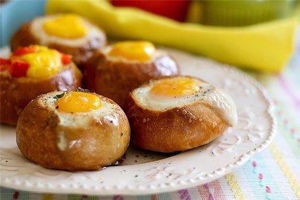 ТОП-5 рецептов фаршированных булочек на завтрак