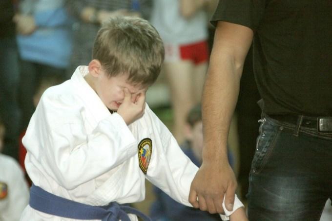 как научить ребенка проигрывать
