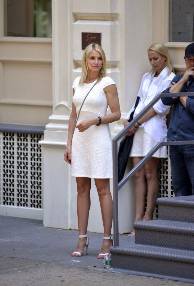 Белые платья - это всегда очень эллегантно