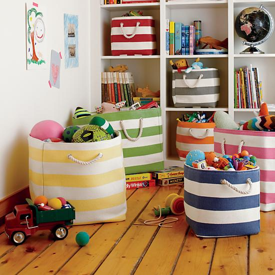 stripes-around-the-floor-bin