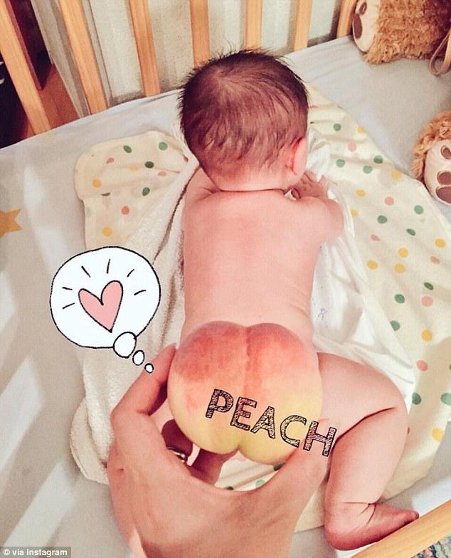 детские попки и персики - фото японских родителей