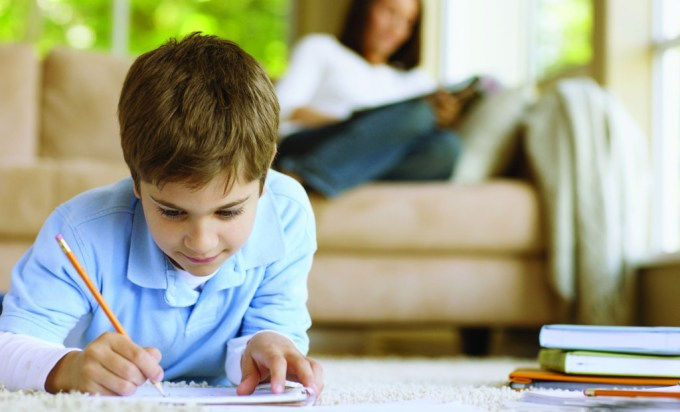 стоит ли ребенку помогать с домашним заданием