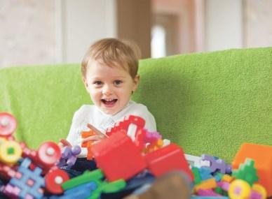 6 практических советов, как научить ребенка убирать свои игрушки