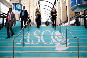 Chicago, IL - 2017 ASCO Annual Meeting - Attendees during the day at the American Society of Clinical Oncology (ASCO) Annual Meeting here today, Friday June 2, 2017. Over 40,000 physicians, researchers, and healthcare professionals from over 100 countries are attending the 53rd Annual Meeting, which is being held at McCormick Place. The ASCO Annual Meeting highlights the latest findings in all major areas of oncology, from basic to clinical and epidemiological studies. Photo by © ASCO/Scott Morgan 2017 Technical Questions: todd@medmeetingimages.com; ASCO Contact: photos@asco.org