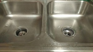 Brillo pads make my sink basins look like new!