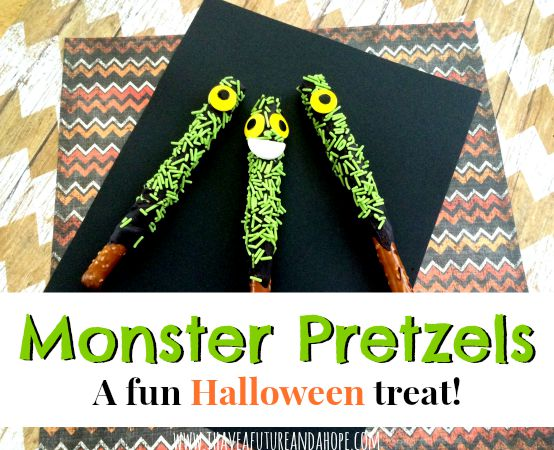 Monster Pretzel: Halloween treats for your kids and parties. These party favors so so much fun and kid friendly!