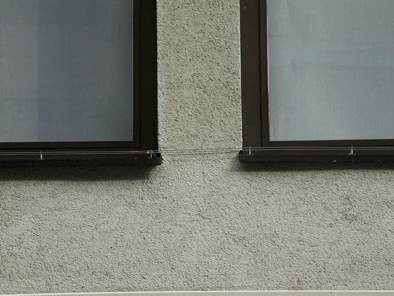 Verbindung Elekrosystem zwischen zwei Fenstersimsen