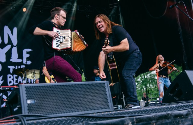 Alan Doyle & The Beautiful Gypsies. Photo by Lisa Vuyk