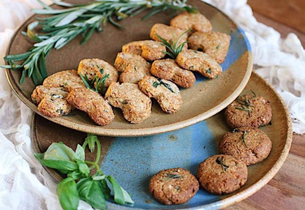 Paleo Sweet basil rosemary cookies (Paleo Holiday Recipe)