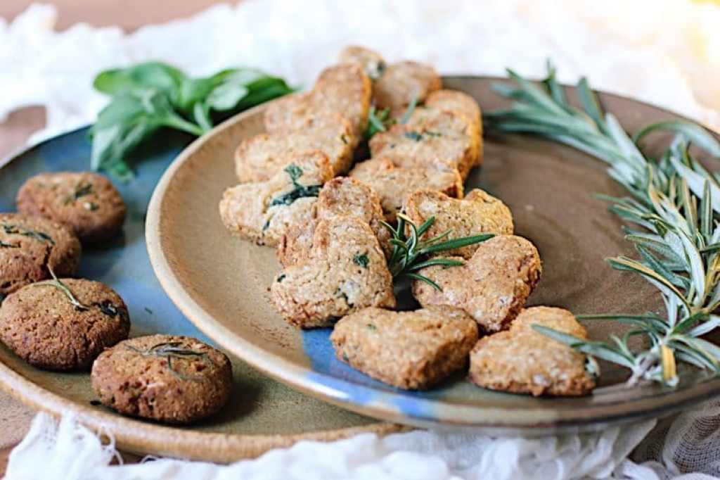 Paleo Sweet basil rosemary cookies (Paleo Holiday Recipe)