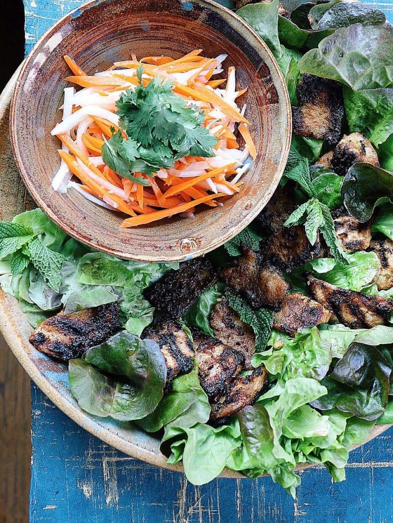 Paleo Banh-Mi Wrap. Paleo Vietnamese Bang-Mi Sandwich. Whole30 Vietnamese food.