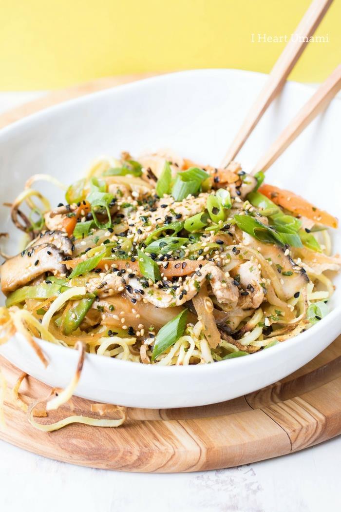 Chicken Yakisoba Noodles Recipe Paleo Whole30 Keto Gluten Free from IHeartUmami.com