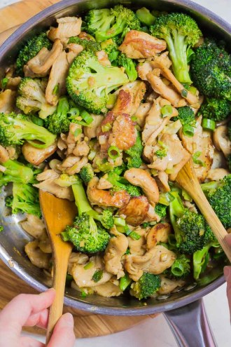 Healthy Chinese Paleo Chicken and Broccoli Stir Fry Recipe with Keto Whole30 Chicken Stir Fry Sauce.