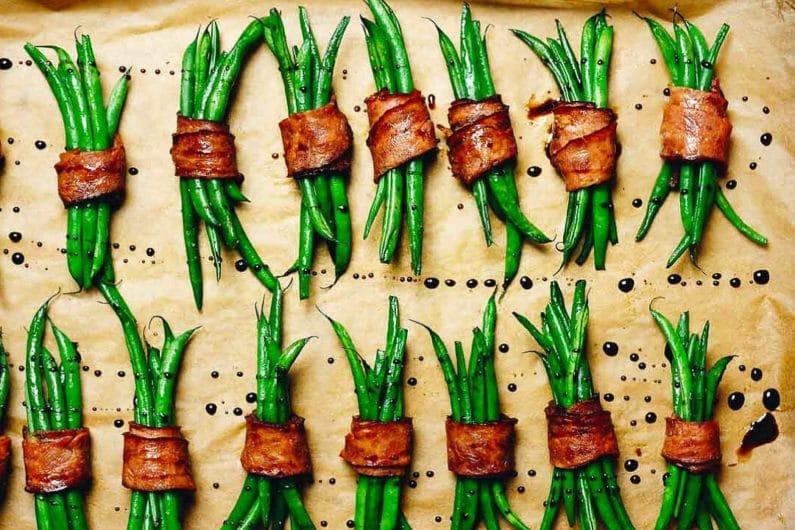 Paleo Bacon Wrapped Green Bean Bundles