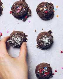 Paleo No Bake Christmas Cookies recipe are no bake easy and healthy to make.