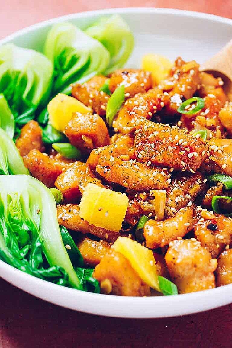 Healthy Paleo Orange Chicken recipe with crispy baked chicken coated in a Chinese orange sauce with a perfect sweet-and-tart balance.