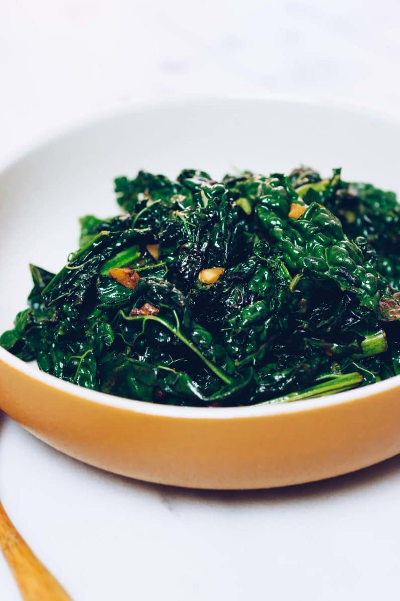 Paleo sauteed lacinato kale recipe is delicious and makes the best Paleo side dish from I Heart Umami.