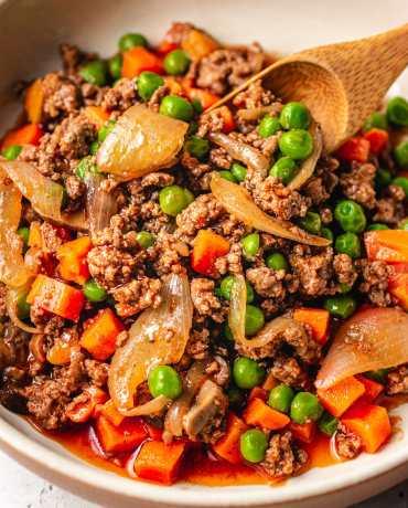 Easy keto ground beef recipe is Paleo and Whole30 friendly I Heart Umami.