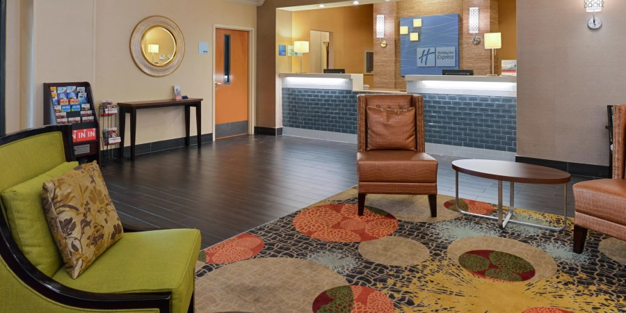 Holiday Inn Express   Suites Bessemer Hotel by IHG     Welcoming Lobby Lounge at Holiday Inn Express Bessemer