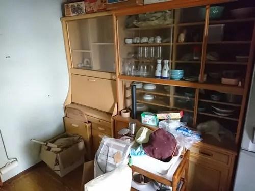 食器棚などの粗大ゴミも格安回収 寝屋川市の遺品整理サービス トリプルエス