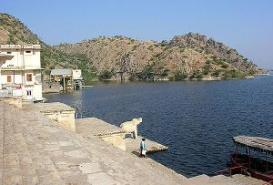 Jaisamand Lake, Udaipur in Rajasthan