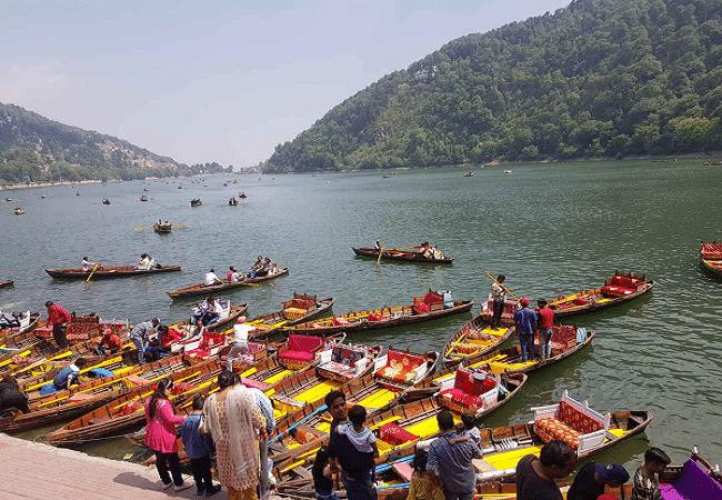 boating at Naini lake in June with family