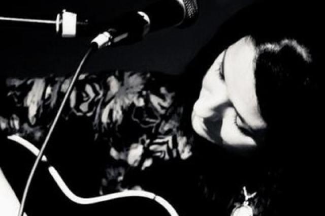 Allysen-Callery Listen: Sing Sylphid Sing