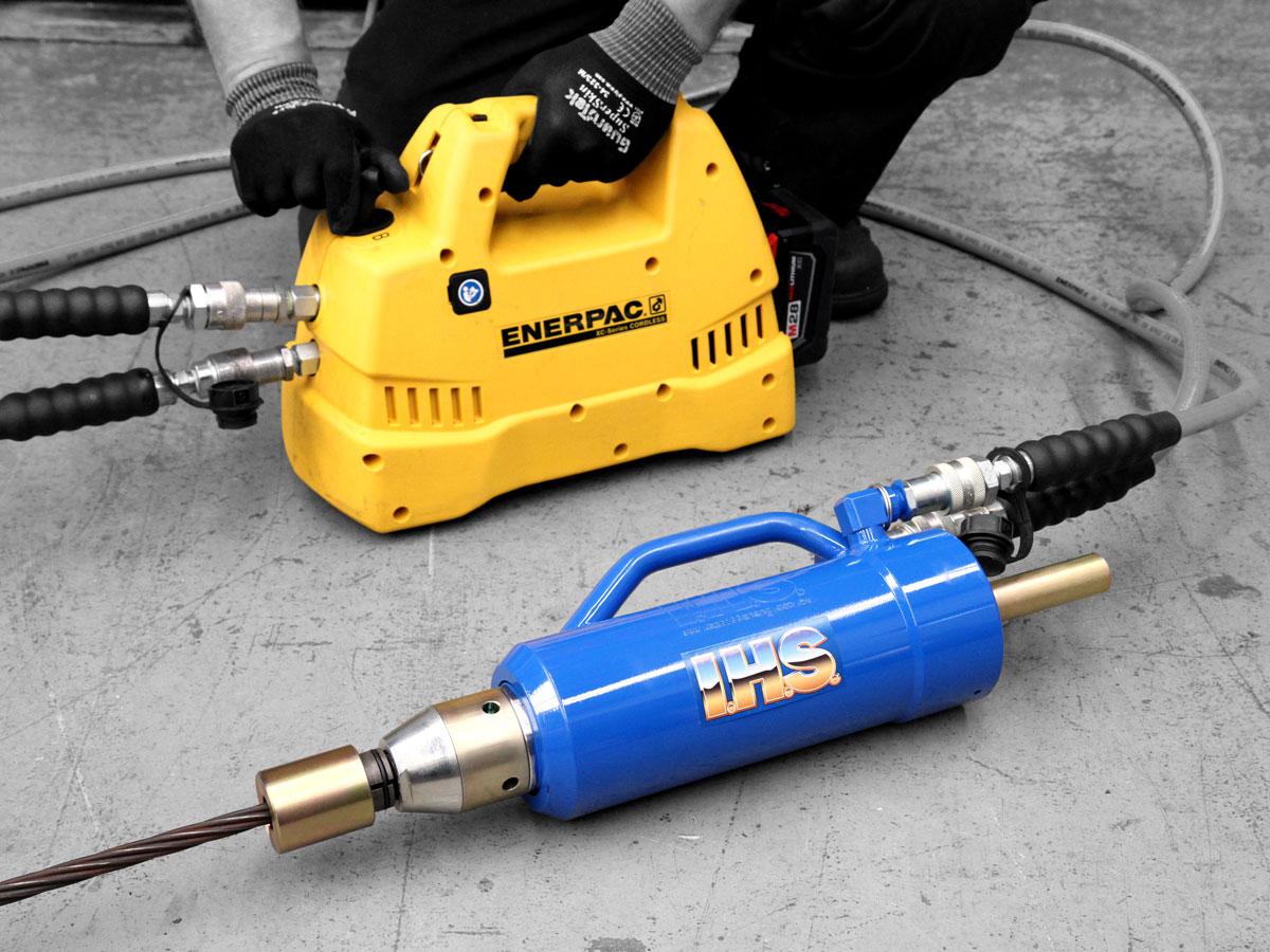 Enerpac XC Cordless Pump