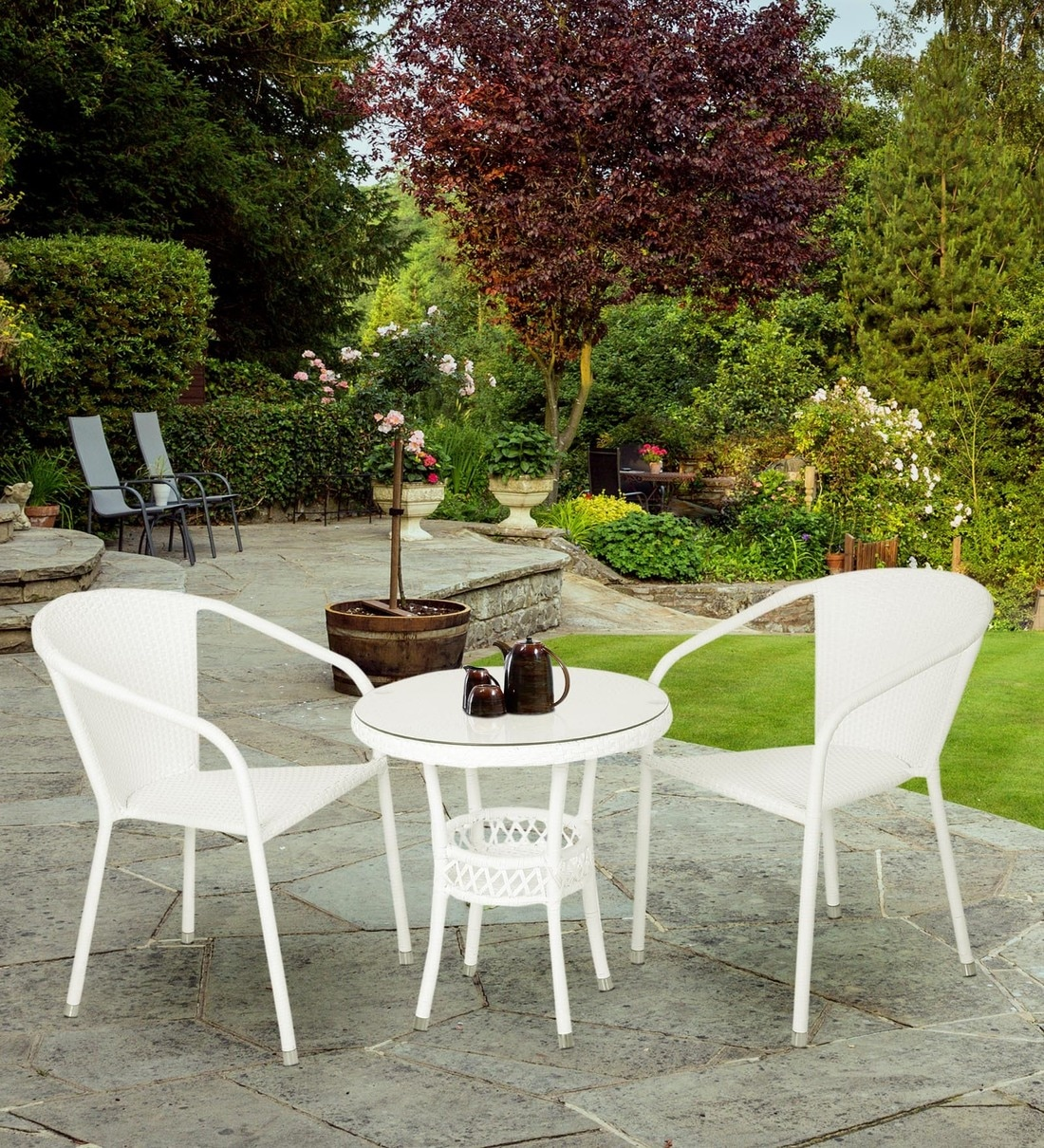 outdoor coffee table set in white colour