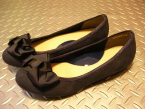 パンプスを履くと足の裏が痛い&踵に靴ずれができる。