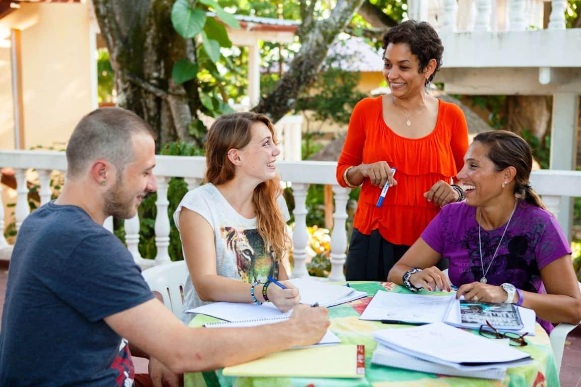 IIC Sosua School Teaching Group outdoors IMG2406_ST
