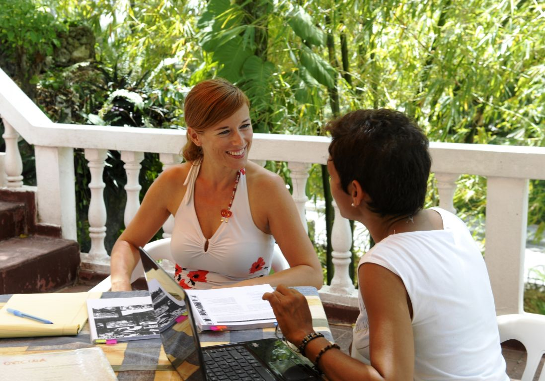 IIC Sosua School Teaching private outdoors on Terrace DSC7624_CB