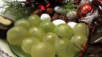 NewYear uni_nytraditions2_wmain ABC News 12 grapes