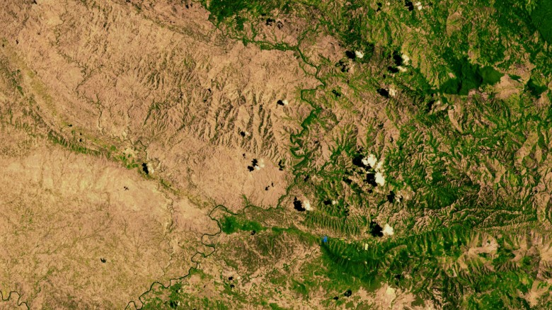 Haiti (left) and the Dominican republic (right) - the NASA satellite picture from 2002 shows the effects of deforestation on the island of Hispaniola