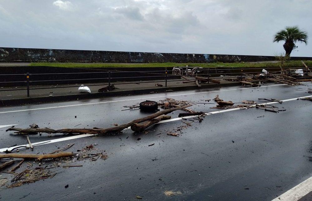 台風被害 与次郎 道路