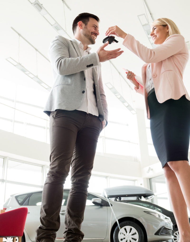 professional-salesperson-car-dealership