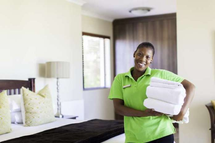 Hotel Housekeeper/Cleaner wanted immediately: Salary R4 000 to R6 000 per month