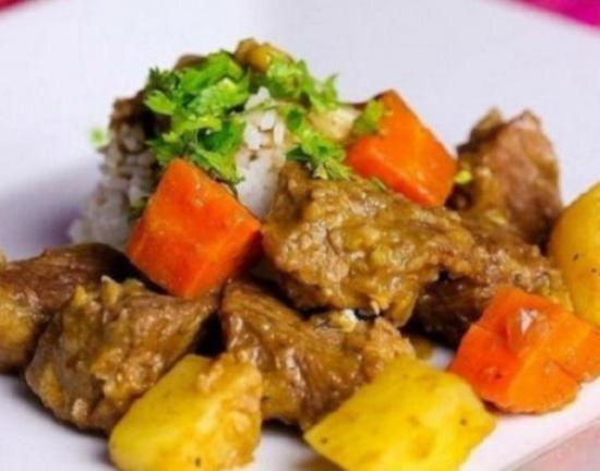 Овощное рагу с говядиной в мультиварке