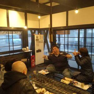 本日最後の四人連れのお客様です。むかし鳥やホンジョーピンクワインをお気に召して下さり、楽しく飲んで食べて下さいましたご来店ありがとうございました #蔵 #筏 #ikada #japan #Tokyo #mitake #御岳 #御岳山 #mitakesan #御岳山ロックガーデン #武蔵御嶽神社 #多摩川 #御岳渓谷 #奥多摩 #ブドウ山椒 #おにぎり#tasty #バイク #ロードバイク #デッドエンド #ジムニー #JA22 #ペット可