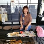 テイクアウトのお客様です御岳山でお昼にばくだんを食べるため、お立ち寄り下さいました♪ひとまずむかし鳥と味玉だけ炭炉の前でお召し上がりになりました武蔵御嶽神社は初めてだそうです御岳山を満喫なさって下さいませご来店ありがとうございました #蔵 #筏 #ikada #japan #Tokyo #mitake #御岳 #御岳山#mitakesan #御岳山ロックガーデン #武蔵御嶽神社 #多摩川 #御岳渓谷 #奥多摩 #ブドウ山椒 #おにぎり #tasty #バイク #ロードバイク #カヌー #カヤック #リバーSUP #デッドエンド #ジムニー #JA22 #ペット可