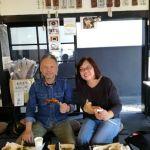 川口市から奥多摩ドライブに来られた夫婦ですご主人と、4月8日に青梅市内からいらしたシクロクロスバイク乗りの方の職場が同じで、炭鳥 筏を教えてもらったとの事です 「噛めば噛むほど味が出る鶏肉ですね」と、嬉しい事をいって下さいました ご来店ありがとうございました #蔵 #筏 #ikada #japan #Tokyo #mitake #御岳 #御岳 #mitakesan #御岳山ロックガーデン #武蔵御嶽神社 #多摩川 #御岳渓谷 #奥多摩 #ブドウ山椒 #おにぎり #味玉 #tasty #バイク #ロードバイク #カヌー #カヤック #リバーSUP #デッドエンド #ジムニー #ペット可 #奥多摩ドライブ