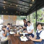 横浜市からいらしたご家族ですラフティングを半日ツアーでされた後、お昼ごはんは炭鳥ikadaに来て下さいました ご家族5人でラフティング、楽しかったでしょうね🤗ご来店ありがとうございました️http://ikadamitake.com 営業時間11~17時(夏季)木曜定休(祭日は営業)※むかし鳥、ばくだんは数に限りがございます。1個からお取り置き致します♪Tel.0428-85-8726#炭鳥 #蔵 #筏 #ikada #むかし鳥 #mitake #tokyo #御岳 #御岳山 #御岳山ロックガーデン #武蔵御嶽神社 #多摩川 #御岳渓谷 #御岳ランチ #奥多摩フィッシングセンター #奥多摩 #日原鍾乳洞 #味玉 #バイク #ロードバイク #カヌー #カヤック #リバーSUP #ラフティング #デッドエンド #ペット可
