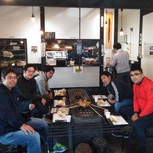 神奈川県相模原市からいらした皆様です向かって右手前のリピーターのお客様が、お友達と一緒に5名でお越し下さいましたこれから箱根に行かれる途中、有り難い事に、わざわざ遠回りなさってむかし鳥を食べに来て下さったとの事です🤗 どうぞ楽しいご旅行を毎度ご来店ありがとうございますhttp://ikadamitake.com営業時間・4月〜12月11~17時11月末まで木曜定休(祭日は営業)※むかし鳥、ばくだんは数に限りがございます。1個からお取り置き致します♪Tel.0428-85-8726#むかし鳥 #鶏肉 #炭鳥ikada #ばくだん #mitake #tokyo #御岳 #御嶽駅 #御岳山 #御岳山ロックガーデン #武蔵御嶽神社 #多摩川 #御岳渓谷 #東京アドベンチャーライン #御岳ランチ #奥多摩フィッシングセンター #奥多摩 #日原鍾乳洞 #味玉 #串 #バイク #ロードバイク #カヌー #カヤック #riversup  #デッドエンド #ペット可