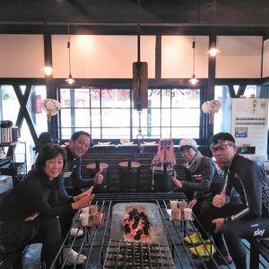 神奈川県にお住まいの、ロードバイク乗りのご常連 @tatsuo4690 さん& @yuko.573 さんご夫妻が、今日は横浜市の女性と武蔵野市の男性のお友達と一緒にご来店下さいました ご夫妻はいつもの様に福生市まで輪行で、そこからロードバイク🚴🚴お友達たちはそれぞれお住まいからロードバイクでお越しとの事です🚴🚴皆様むかし鳥をお気に召して下さりとても嬉しいです🤗毎度ご来店ありがとうございますhttp://ikadamitake.com営業時間・4月〜12月11~17時金曜定休(祭日は営業)※むかし鳥、ばくだんは数に限りがございます。1個からお取り置き致します♪Tel.0428-85-8726#むかし鳥 #炭鳥ikada #ばくだん #mitake #tokyo #御岳 #御嶽駅 #御岳山 #御岳山ロックガーデン #武蔵御嶽神社 #御岳神社 #多摩川 #御岳渓谷 #東京アドベンチャーライン #御岳ランチ #奥多摩フィッシングセンター #奥多摩 #日原鍾乳洞 #okutama #バイク #ロードバイク #riversup  #デッドエンド #ペット可 #look #trek #anchor #pinarello